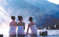 夏天泡温泉好还是冬天 夏天泡温泉的最佳时间及注意事项