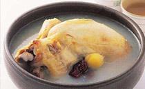 秋天炖鸡汤放什么药材 秋天炖鸡汤可以放什么