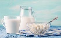 男人喝牛奶能变白吗 男人喝牛奶杀精子吗