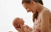 产后哺乳多久才会来月经 产后喂奶早的好处有什么