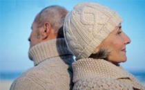 冬天老人用什么取暖好 冬天适合老人取暖方法有哪些