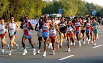 跑马拉松穿什么鞋比较好 跑马拉松需要什么装备