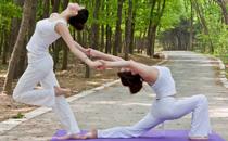 瑜伽早上练好还是晚上好 清晨排毒瑜伽视频教程
