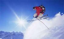 滑雪可以穿雪地靴吗 滑雪穿什么鞋子合适