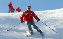 去滑雪场滑雪需要准备什么 滑雪可以戴隐形眼镜吗
