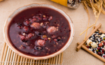 红豆薏米粥为什么不粘 红豆薏米粥粘的好还是不粘的好