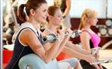 女生高考后疯狂健身减肥 疯狂健身减肥对身体有什么危害